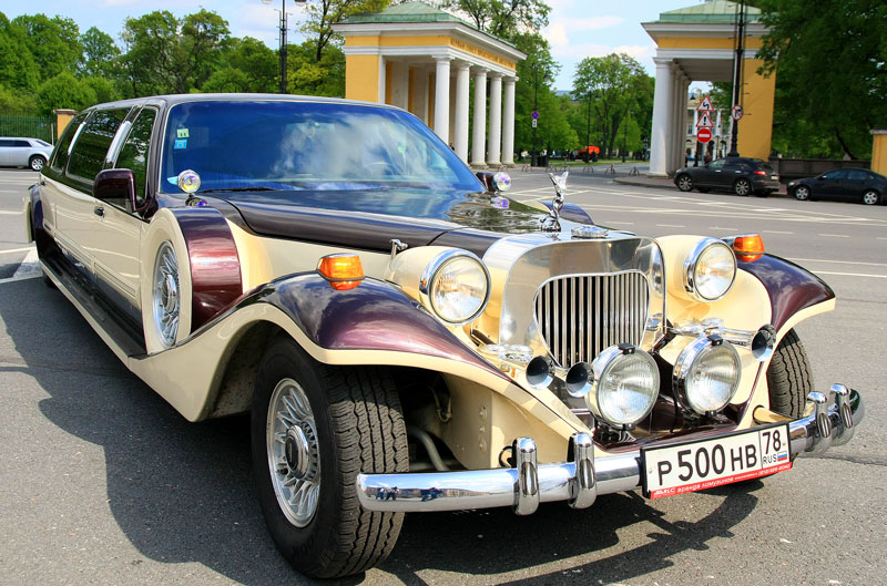 Excalibur Phantom аренда и прокат лимузина в Санкт-Петербурге